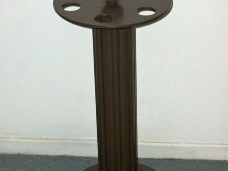 Outdoor traditional cue rack